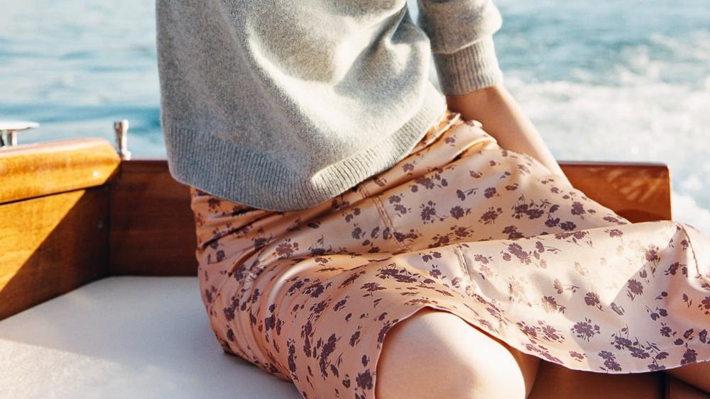 Estas son las claves para sacar partido a los vestidos de verano en otoño.