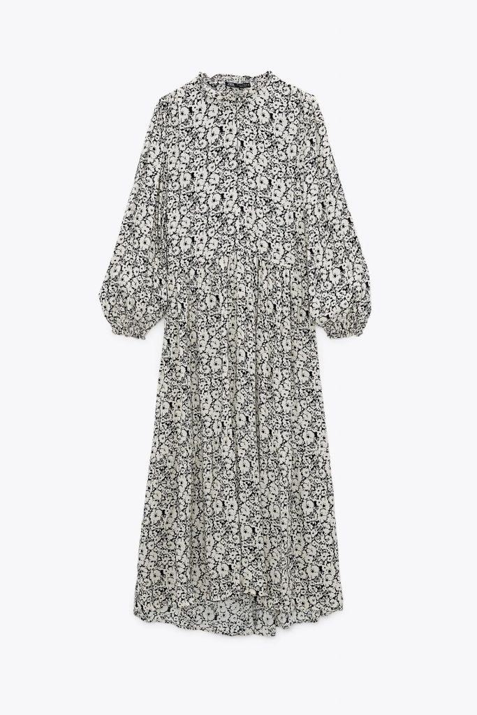 Vestido estampado con manga abullonada de Zara.