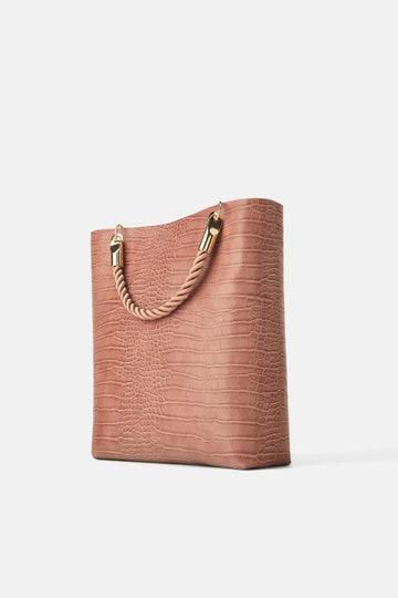 Bolso XL trenzado de Zara