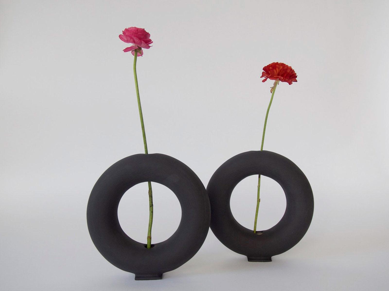 Pieza Vacuum Vase Black Matt