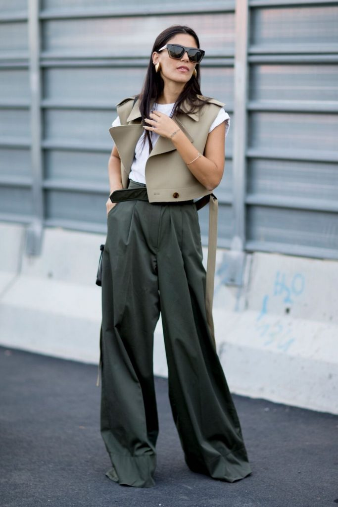 Los pantalones wide leg te harán un look trend en cinco segundos. Son combinables con tops, jerseys anchos, de cuello vuelto…
