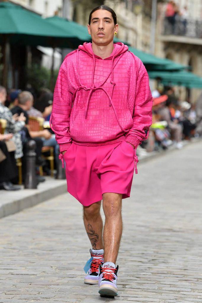 Hector Bellerín debutando como modelo para Louis Vuitton