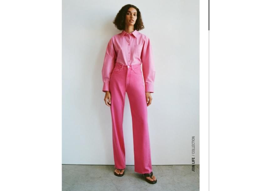 Jeans wide leg rosas de Zara.
