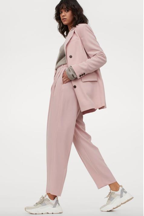 Traje rosa H&M.