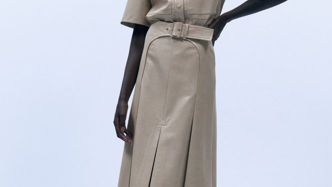Sfera tiene las faldas midi más estilosas y que hacen tipazo.