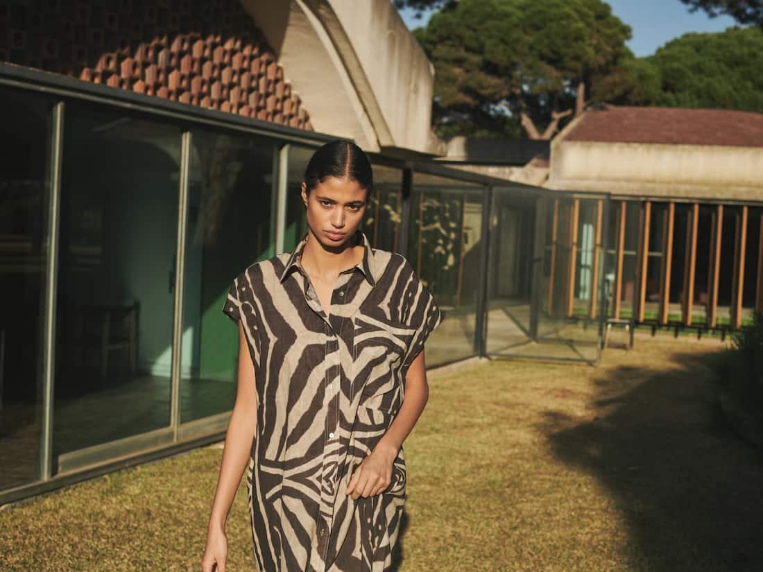 La colección safari de Massimo Dutti está cargada de estilo y animal print.
