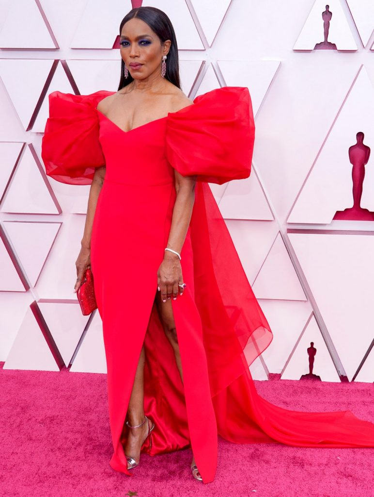 Angela Bassett alfombra roja Oscar 2021