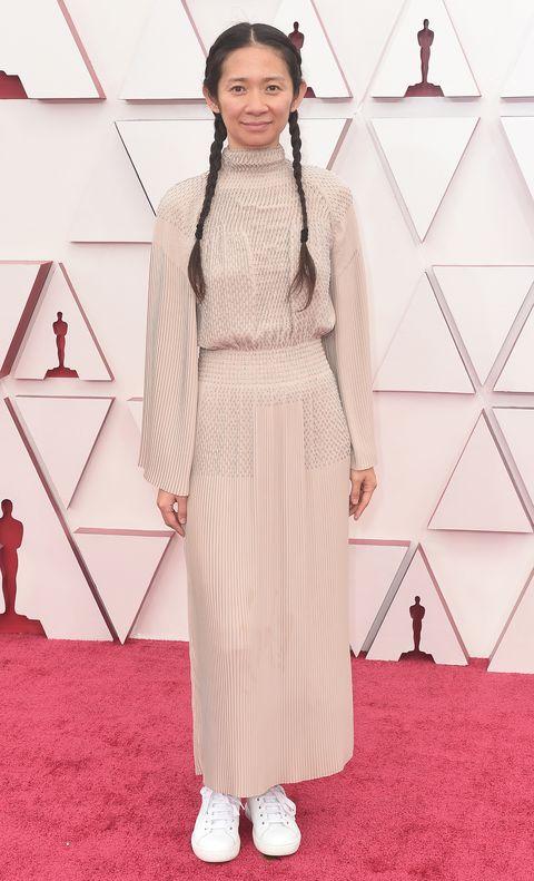 Chloe Zhao alfombra roja Oscar 2021
