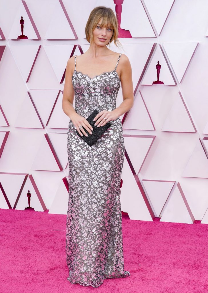 Margot Robbie alfombra roja Oscar 2021