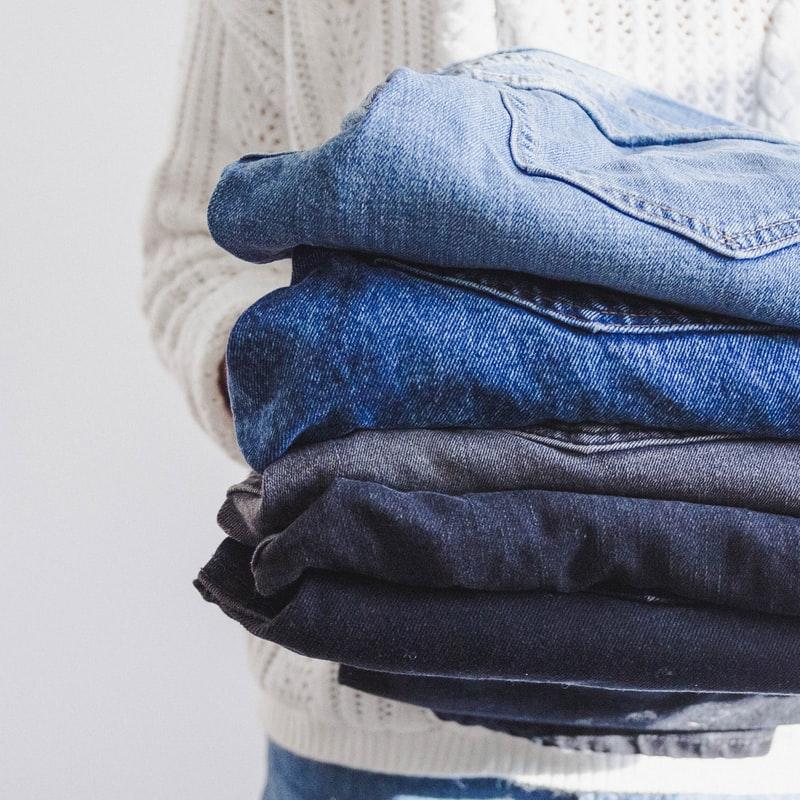 Arregla tu ropa vieja para ir a la moda